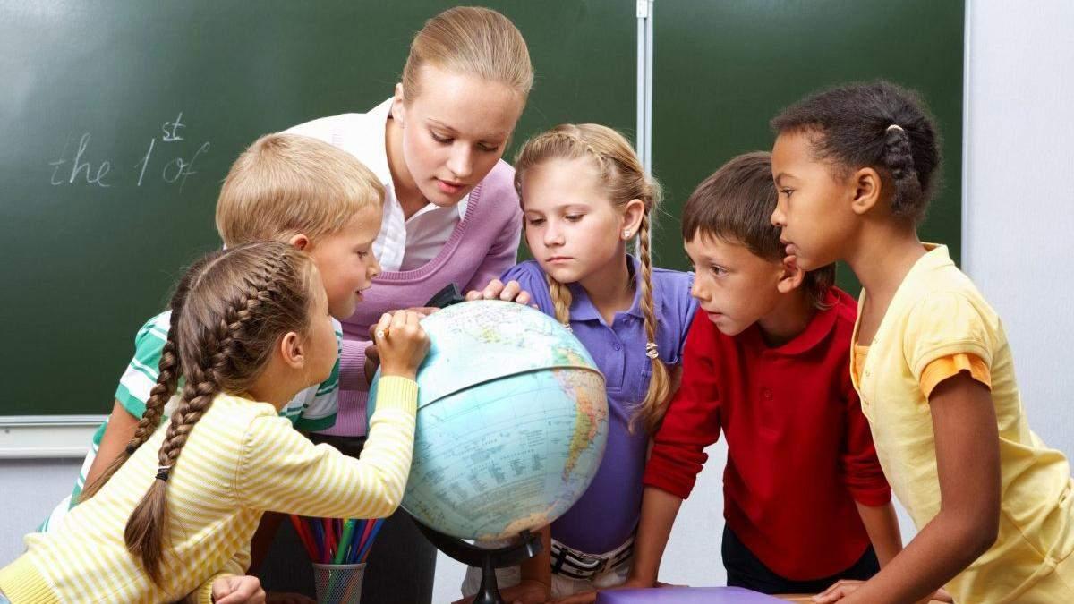 В бюджет не заложили повышение зарплаты учителям