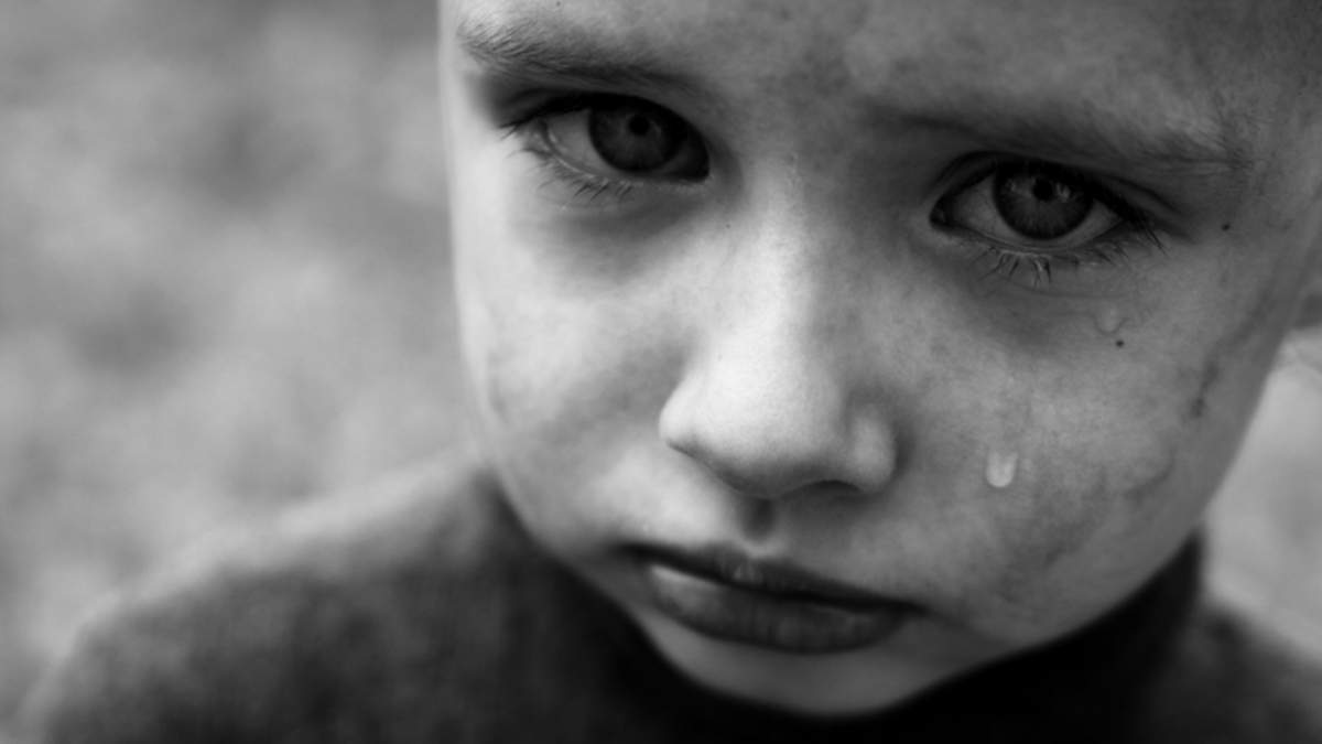 Погрожувала закапати очі клеєм: в Нікополі скандал з вихователькою