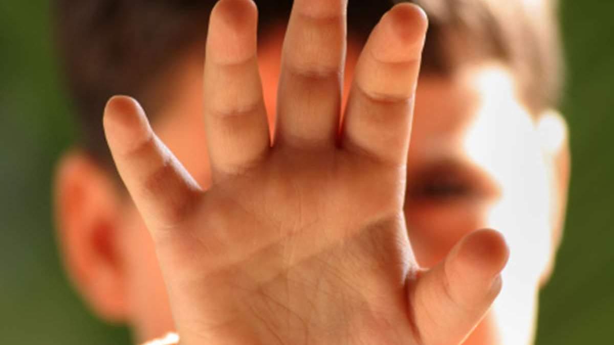 Избили и заставили раздеться: одесских лицеистов подозревают в насилии над ребенком