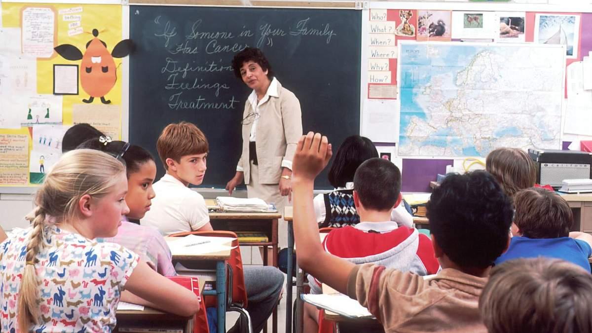 В Минобразования разрабатывают реестр учеников и учителей