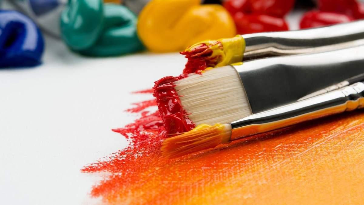 В художественные вузы поступает мало выпускников школ