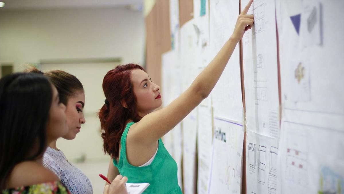 Такую надбавку получают 705 педагогов в Украине