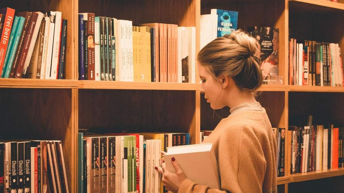 Часто учителя сталкиваются с давлением при отборе учебников
