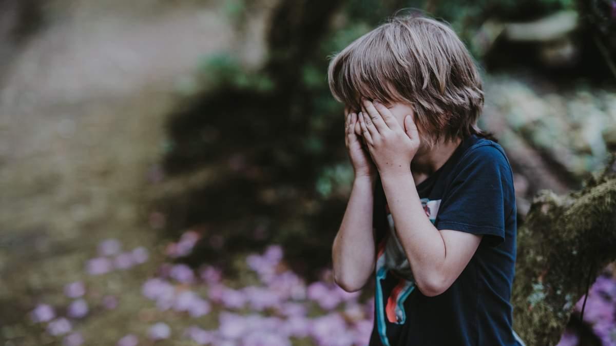 Неналежне виховання чи булінг – на Кіровоградщині у школі скандал через побиття учня