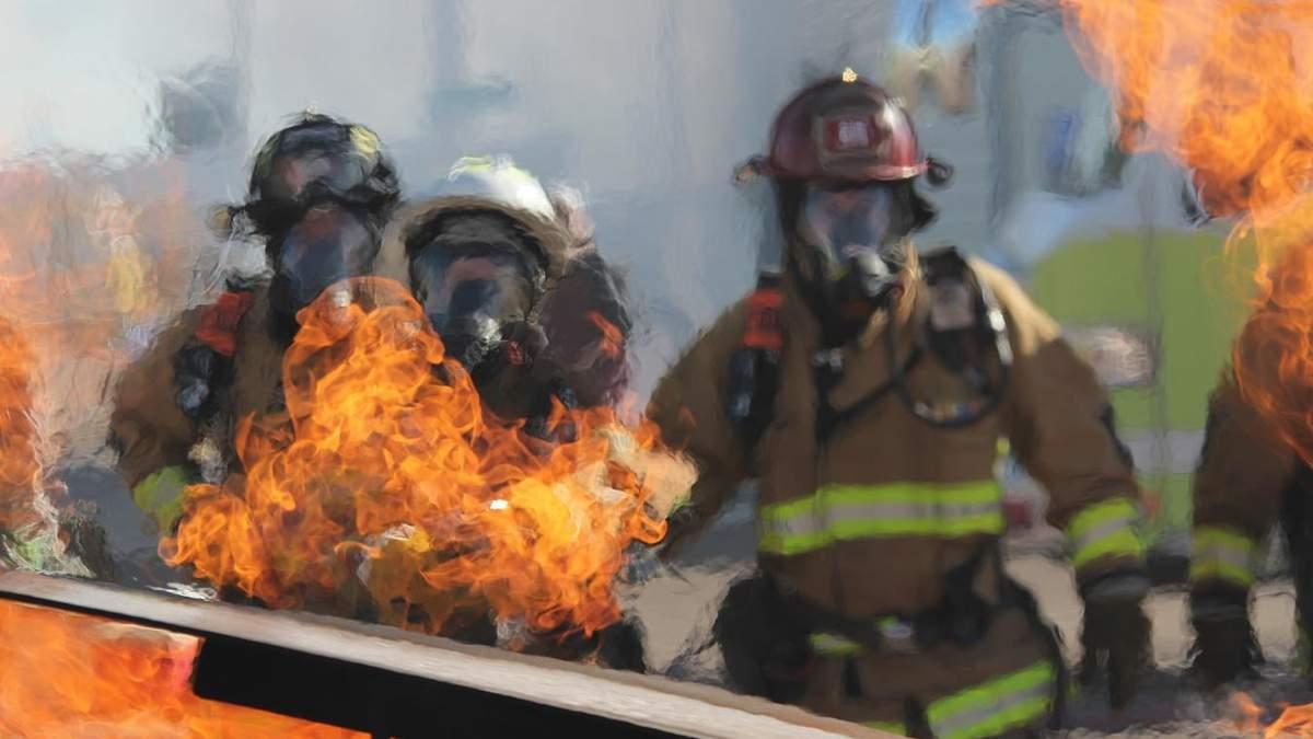 На Черниговщине ночью сгорела школа: фото