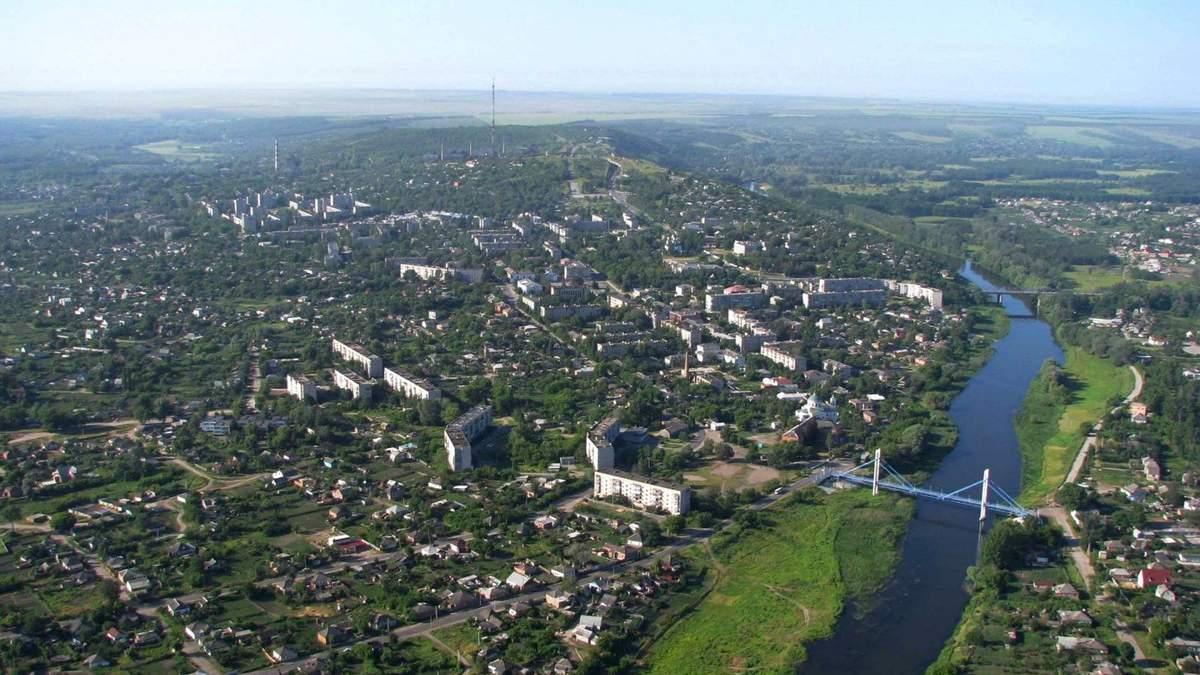 На Харківщині вчителі та вихователі патрулюють вулиці міста: причина