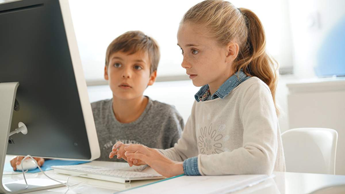 Онлайн уроки 9 класс, Украина – видео всех уроков 08.04.2020