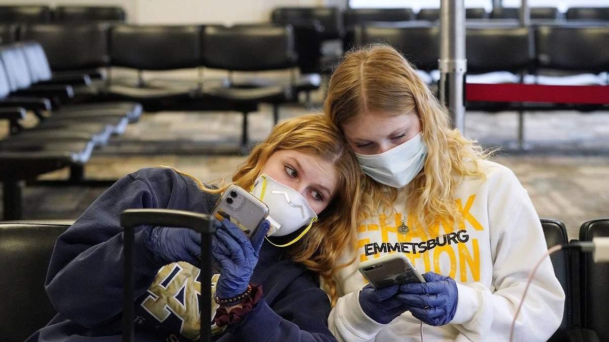 Іноземні студенти з візами F-1 і M-1 мають покинути США