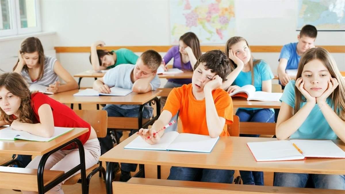 """Депутати хочуть скасувати безкоштовне здобуття середньої освіти """"один раз протягом життя"""""""