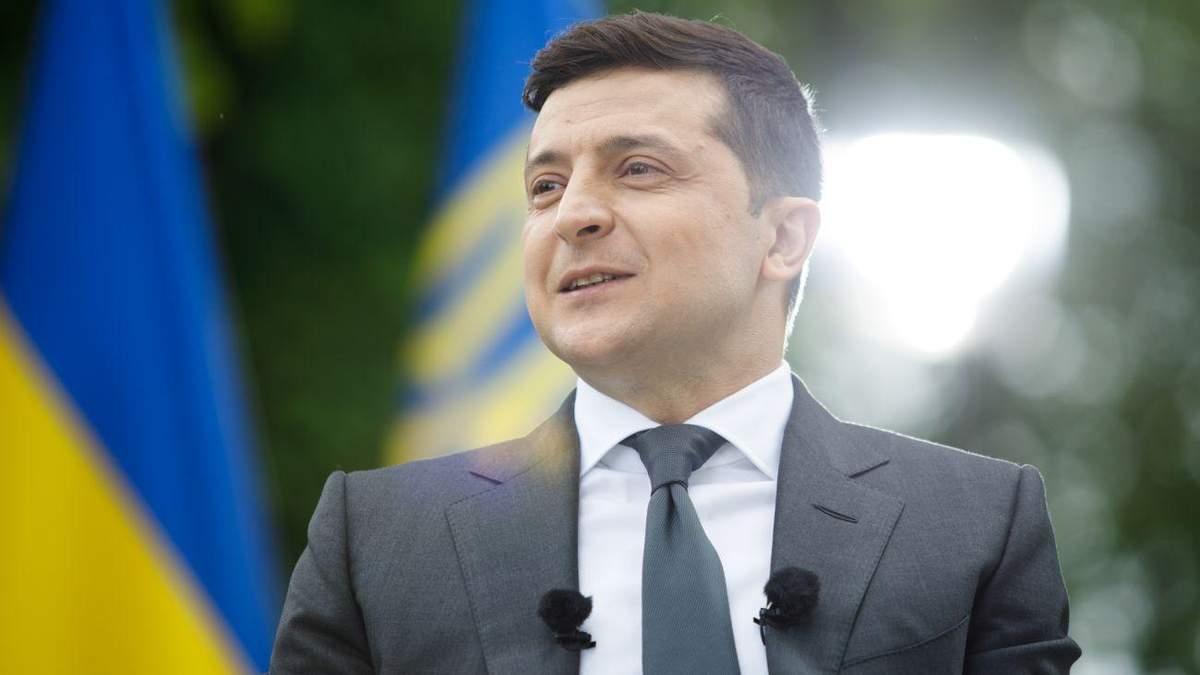 Зеленський зустрівся з випускниками, які набрали найбільше балів на ЗНО: фото