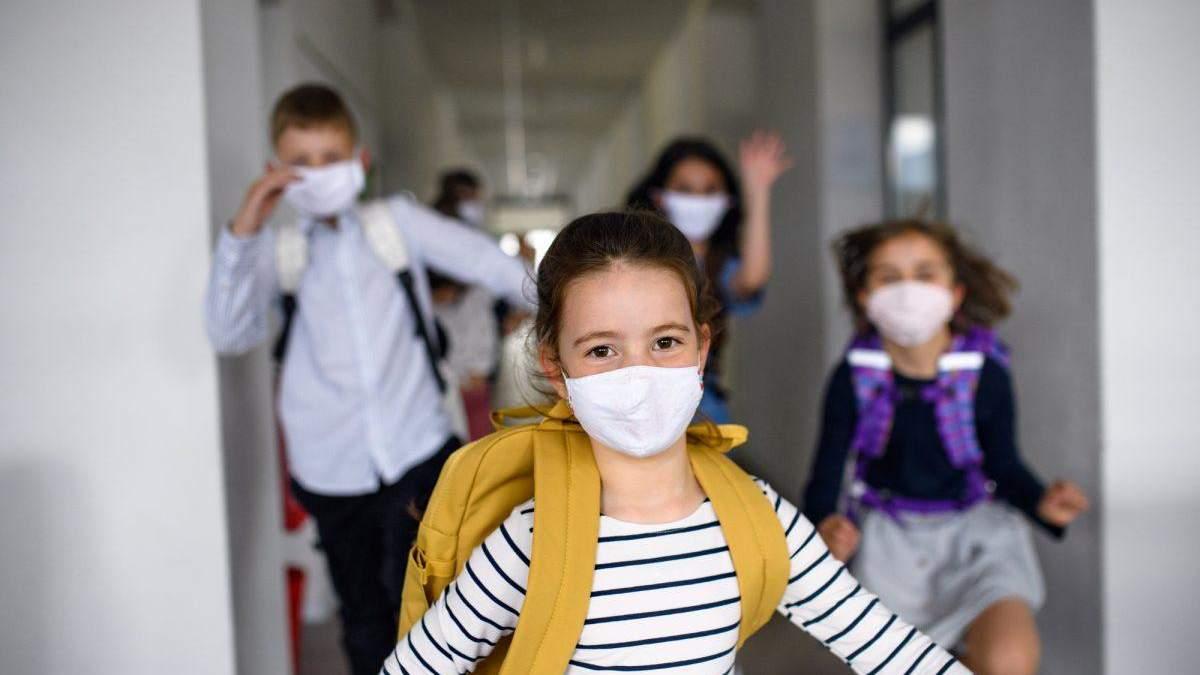 Как в 5-ти странах мира будут открывать школы: интересное сравнение