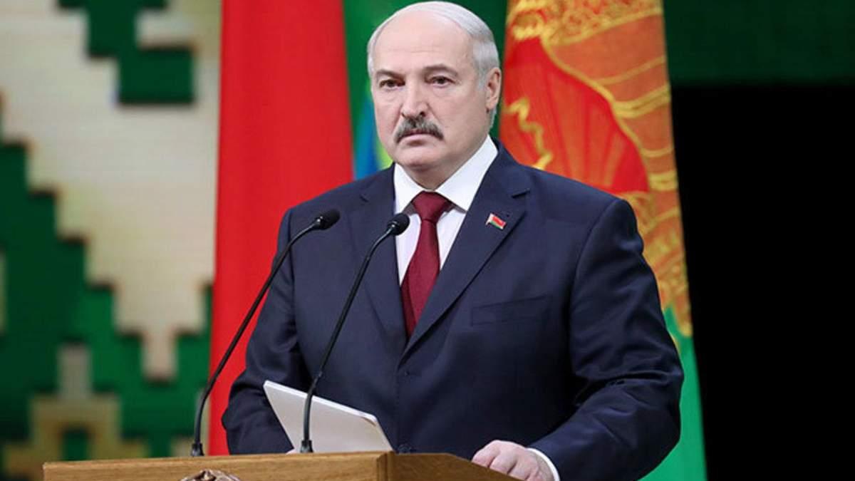 Лукашенко хотят лишить статуса почетного доктора Киевского университета имени Шевченко