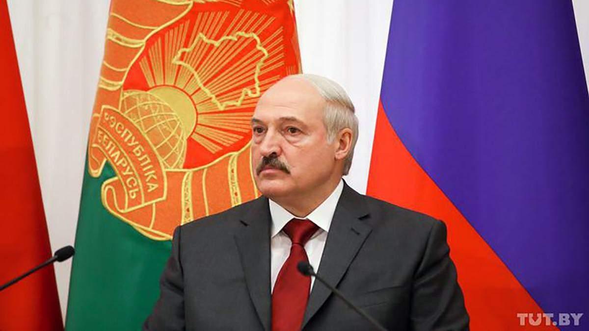 КНУ планирует забрать у Лукашенко звание почетного доктора