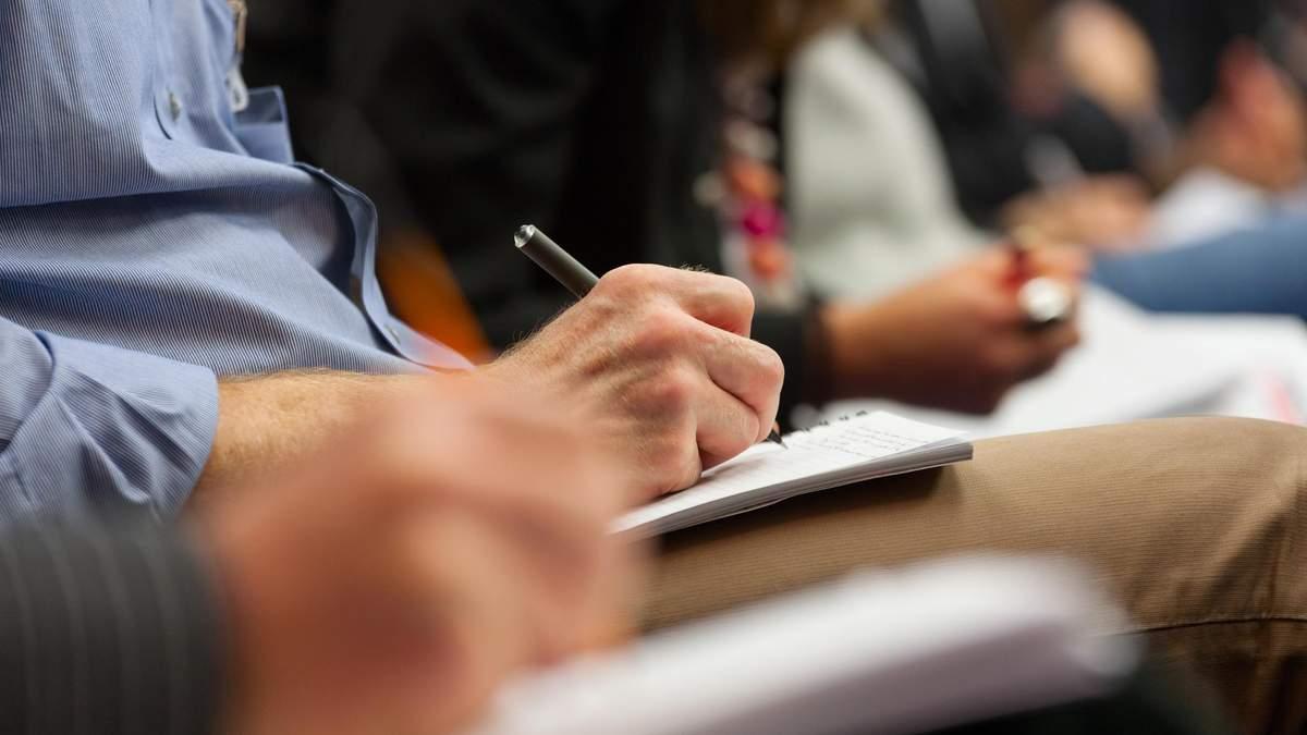 МОН предлагает проводить внеплановые проверки школ: детали