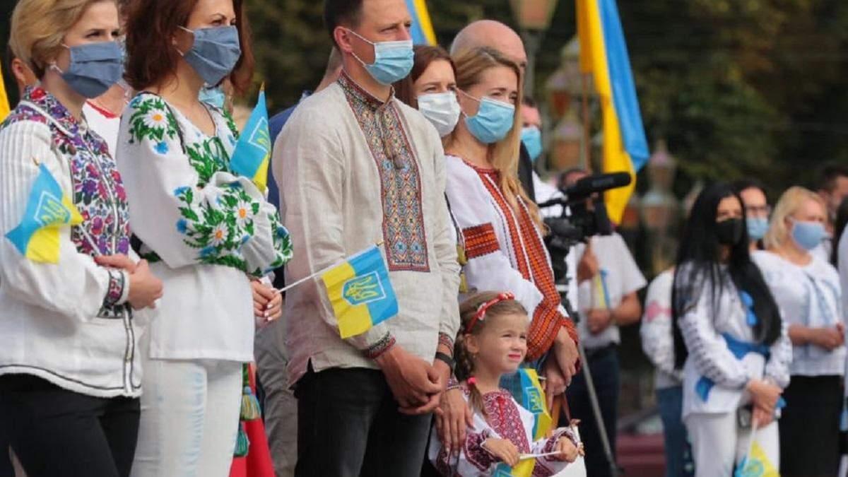 """13 педагогів відзначили званням """"Заслужений вчитель України"""": імена"""