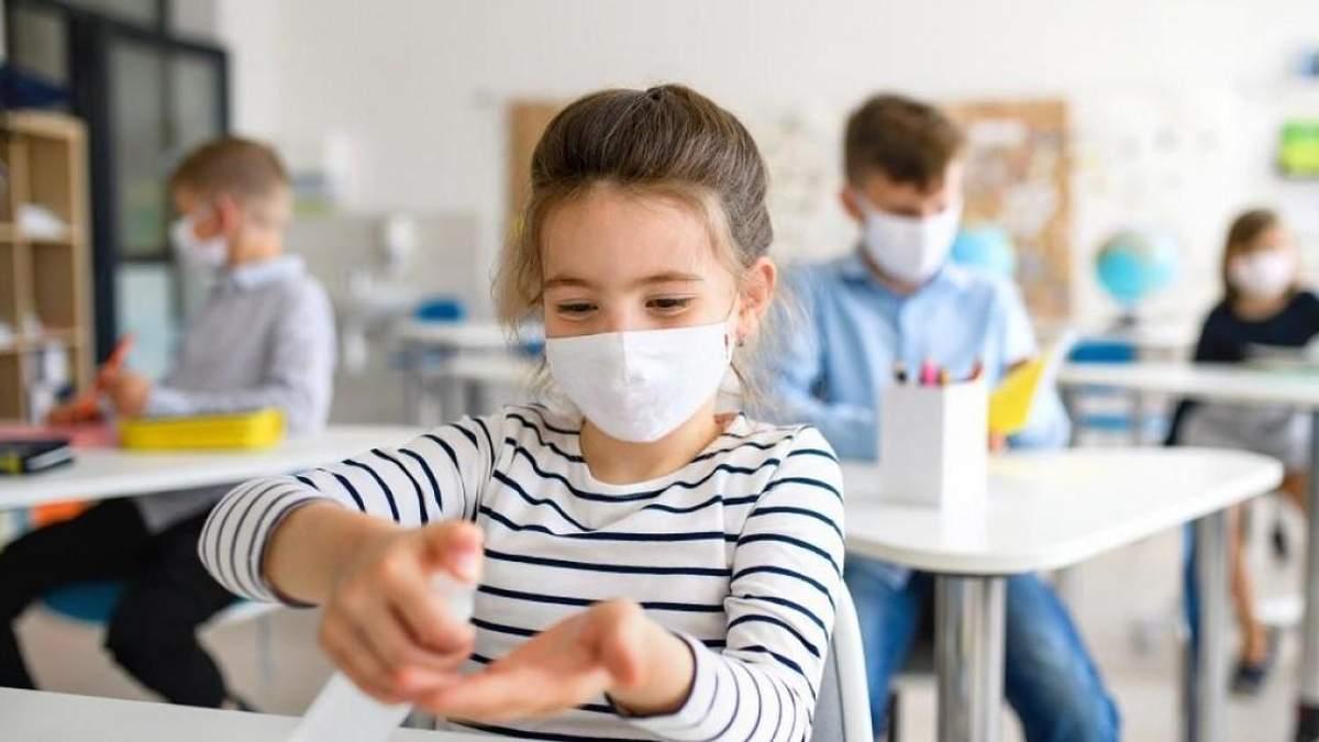 Что делать, если не хватит денег на маски и антисептики для школ