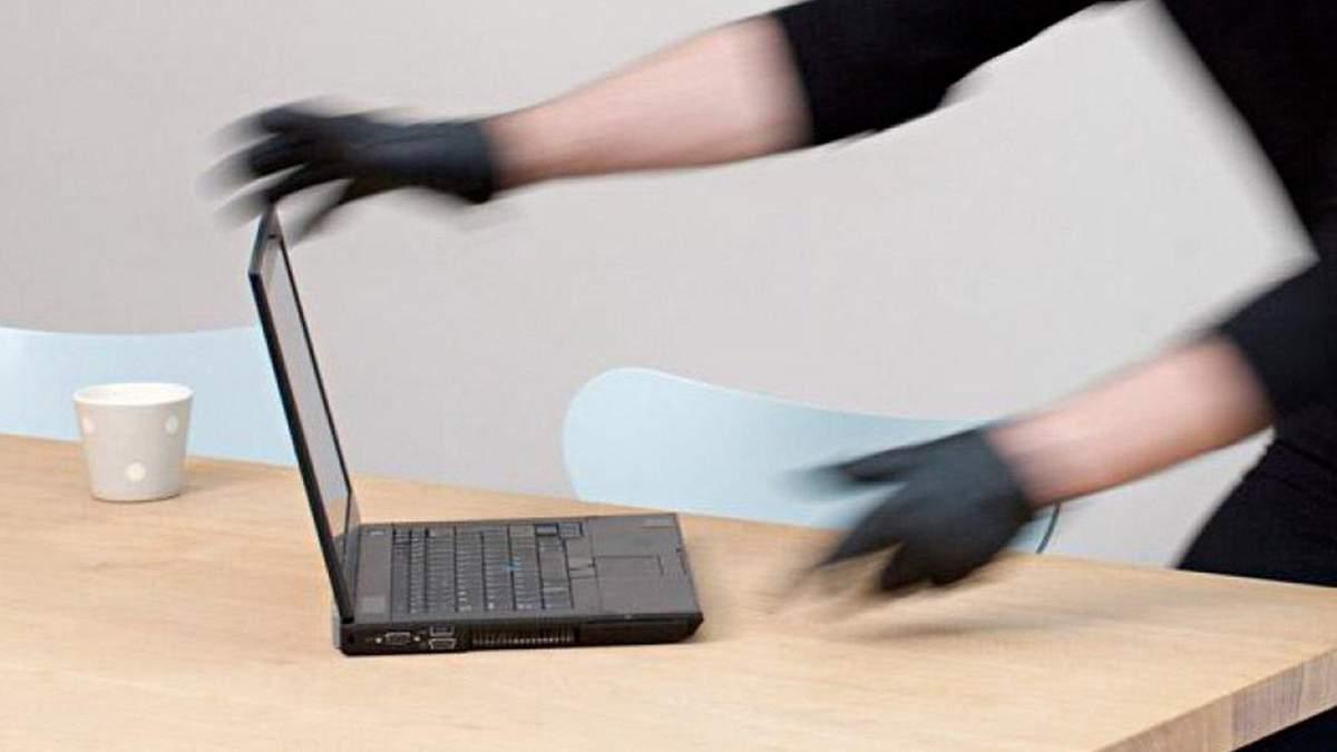 Вчительку з Херсона зловили на крадіжках техніки у школі: деталі