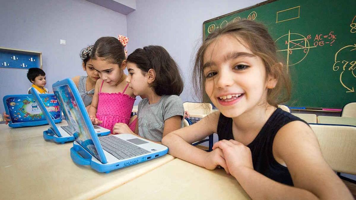 В Грузии обучение в школах и вузах отложили до 1 октября 2020