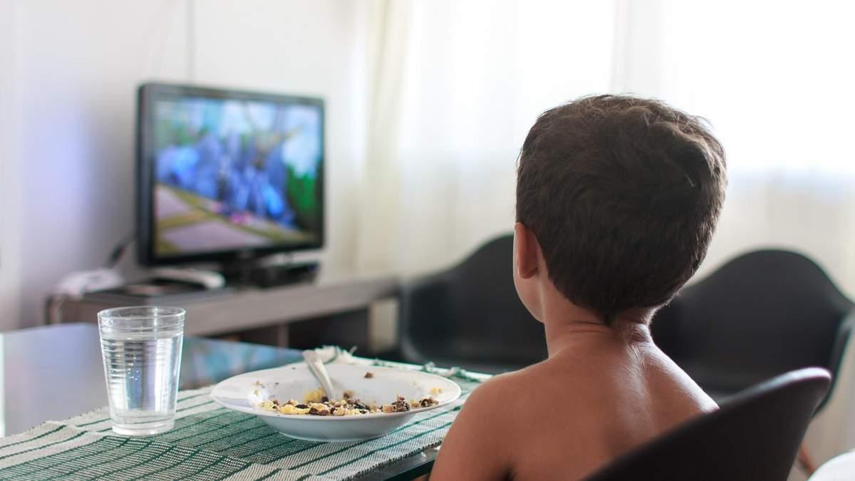 Як перегляд телебачення впливає на навчання учнів: цікаве дослідження