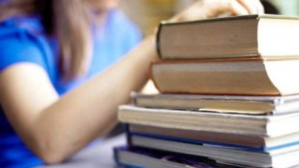 У школах не вистачає підручників українською мовою: деталі