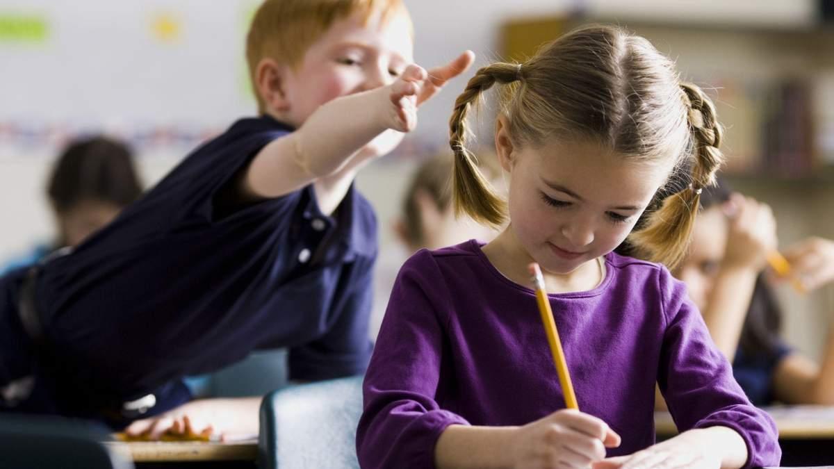 У школі під Києвом учителька цинічно покарала учня за погану поведінку: деталі