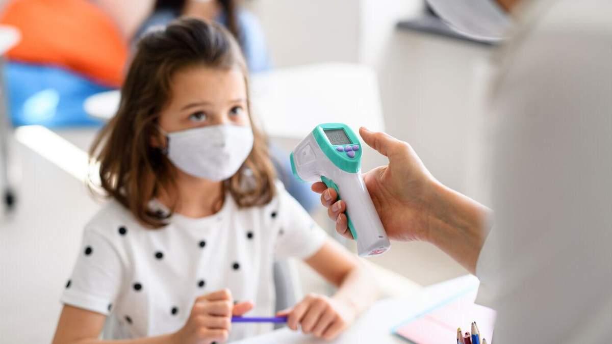 Ученики, контактировавшие с больным COVID-19, могут не проходить ПЦР-тест после самоизоляции