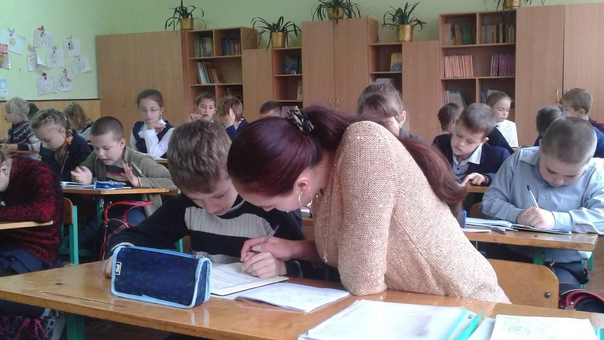 Что должен делать ассистент учителя в инклюзивном классе: обязанности