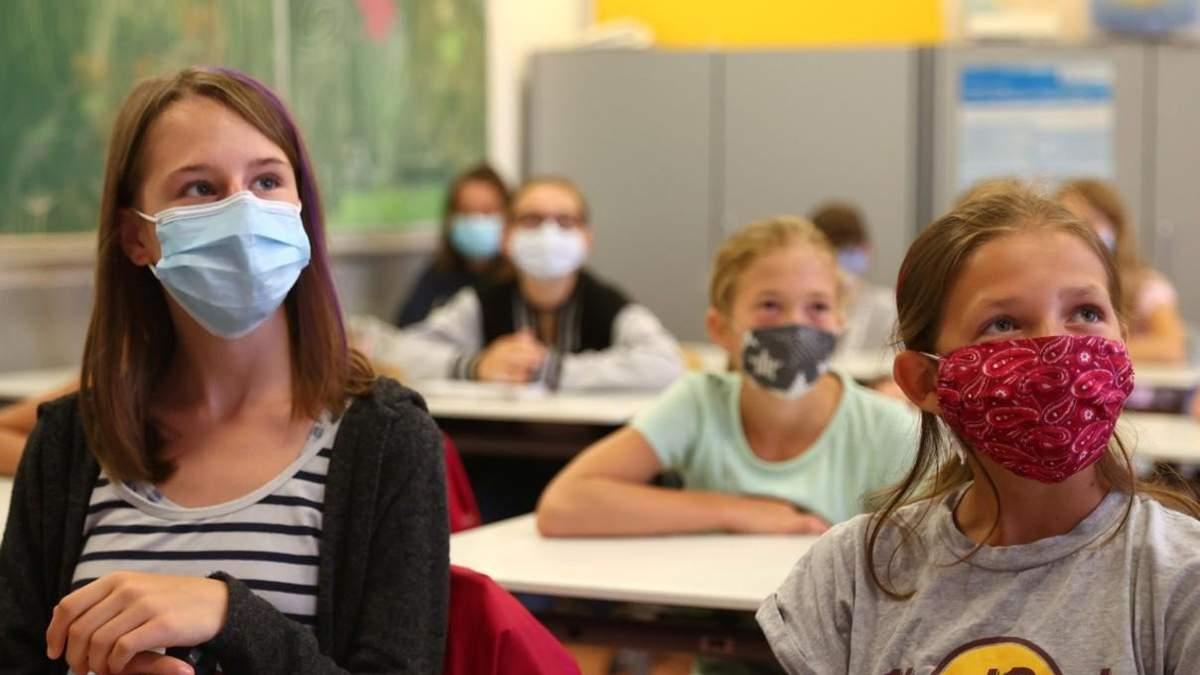 Скільки учнів та вчителів захворіли на коронавірус