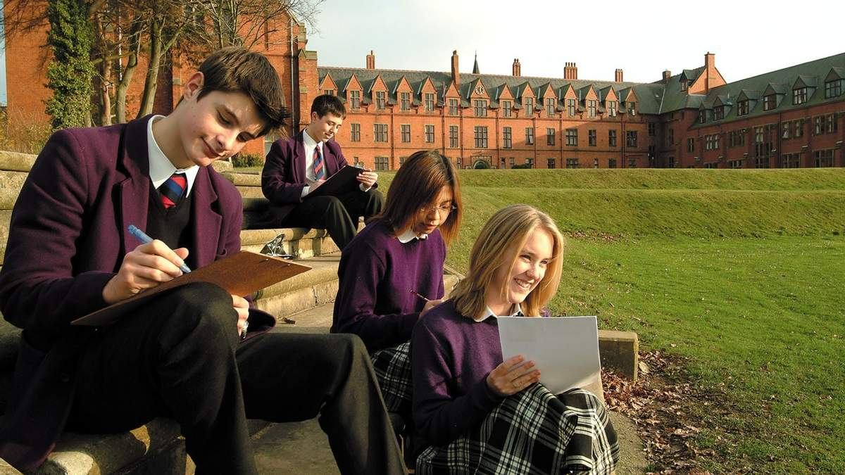 Образование в Англии: факты об обучении школьников и студентов в Великобритании