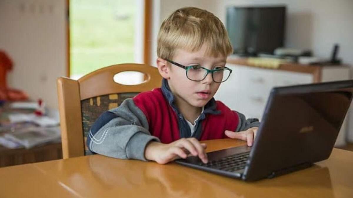 Як українці ставляться до онлайн-навчання: опитування жовтня 2020