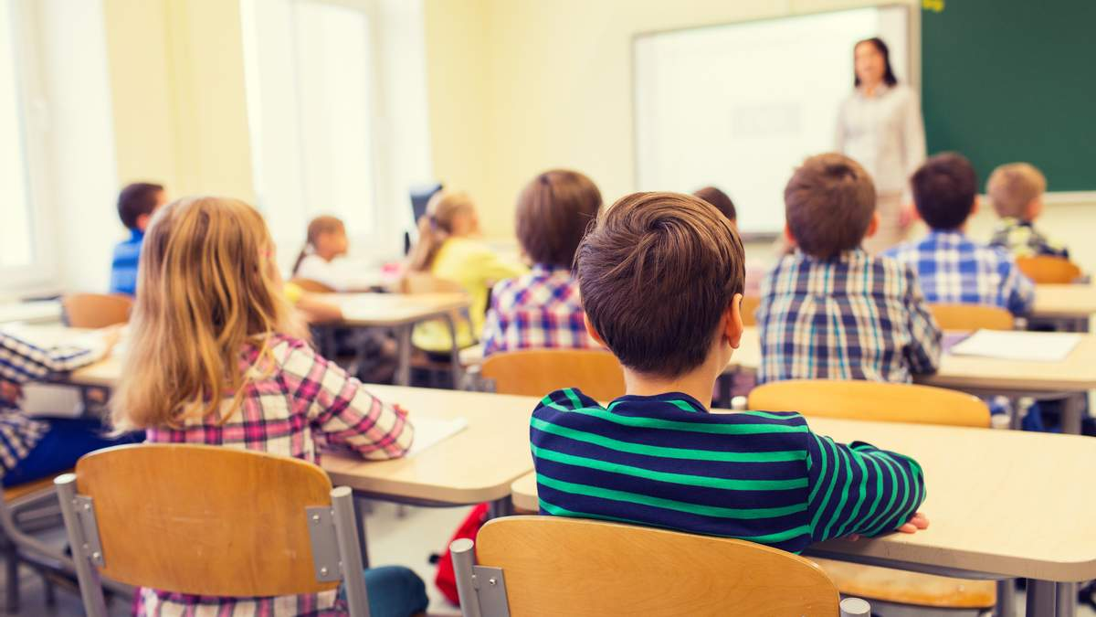 Черкаси починають навчання в школах після канікул з 28 жовтня 2020
