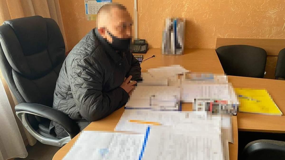У Сумах проректора університету Юрія Штика затримали за хабар: фото
