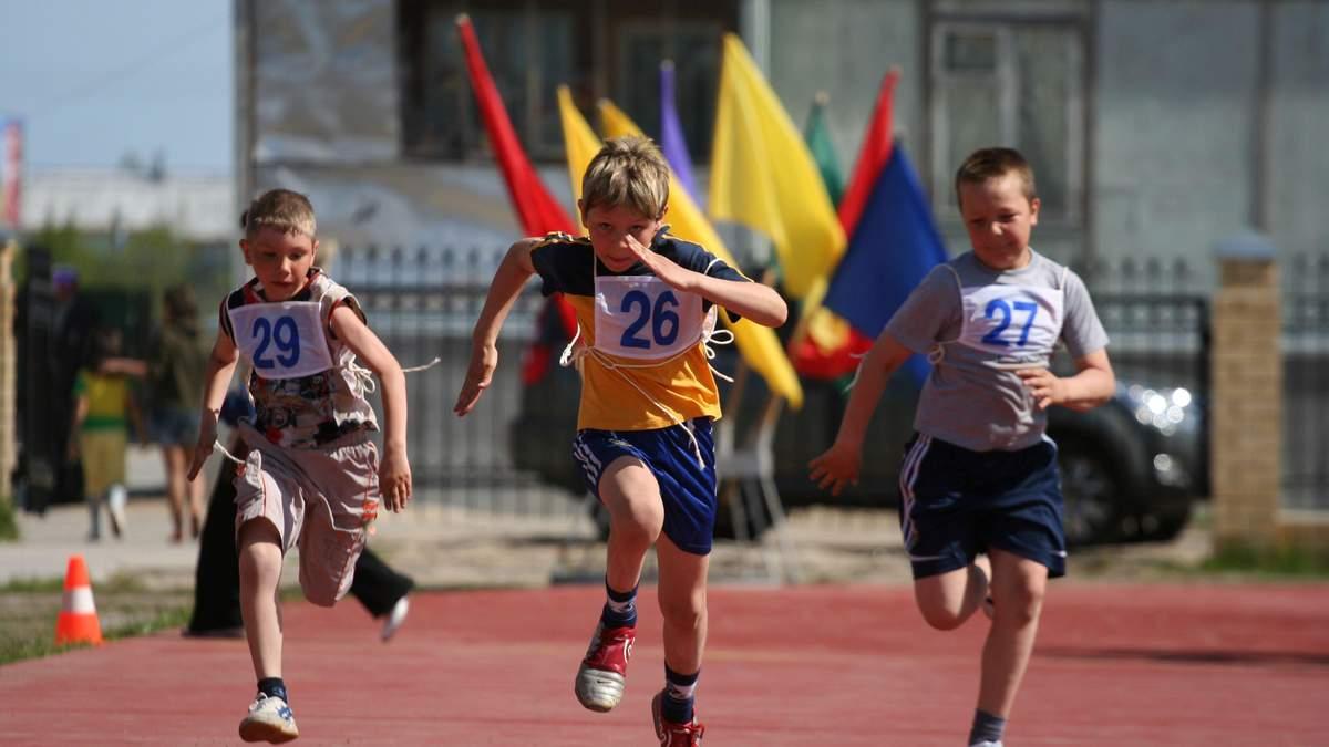 МОН планирует оценивать физическую подготовку учеников и школьников