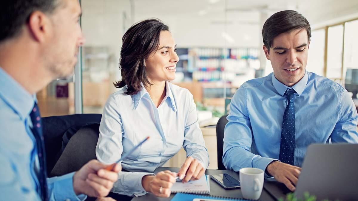 Правила ділового етикету на роботі і в онлайн-чатах: поради