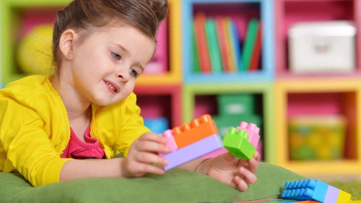 Как зарегистрировать ребенка в детский сад и могут ли его отчислить: объяснение