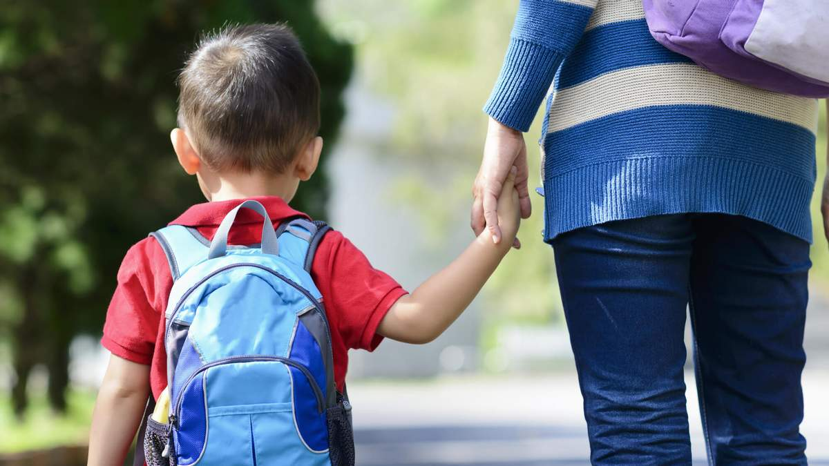 МОН планирует отправлять детей в школу с 5 лет: почему это плохая идея