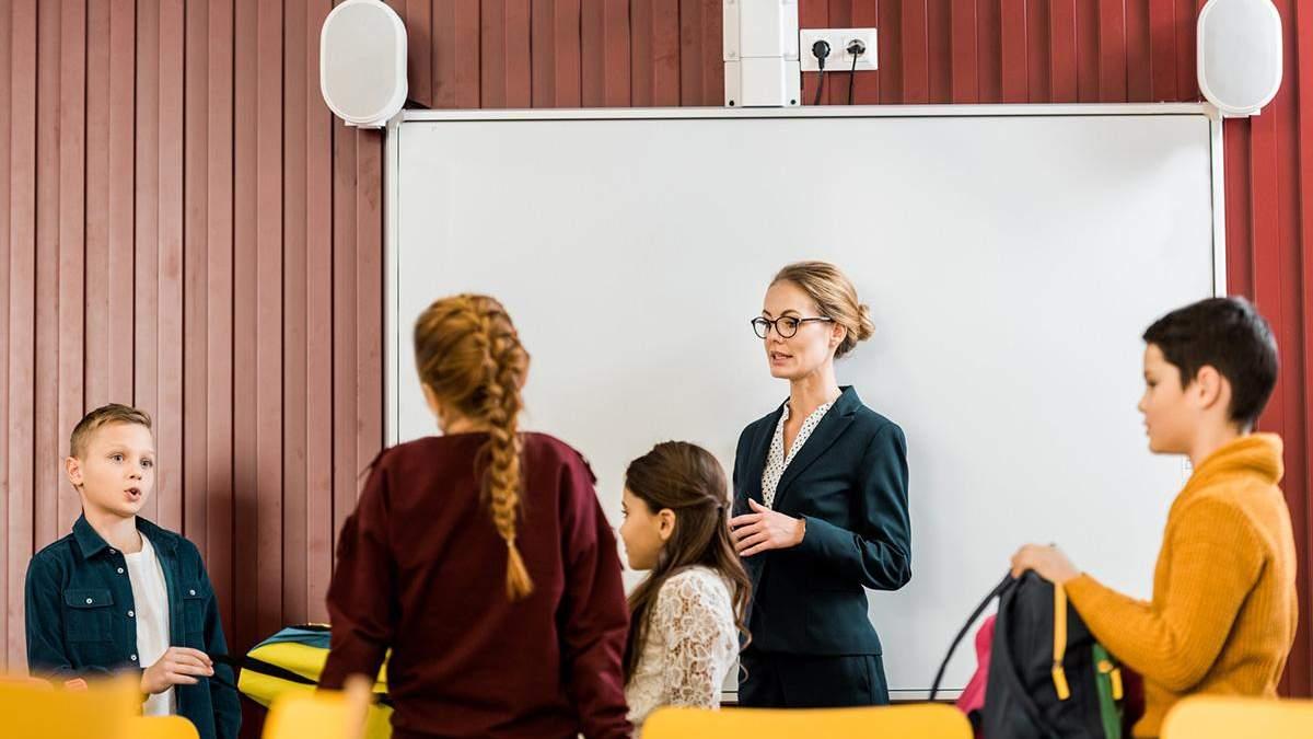 Учителя и родители считают, что в школе надо преподавать сексуальное образование: исследование