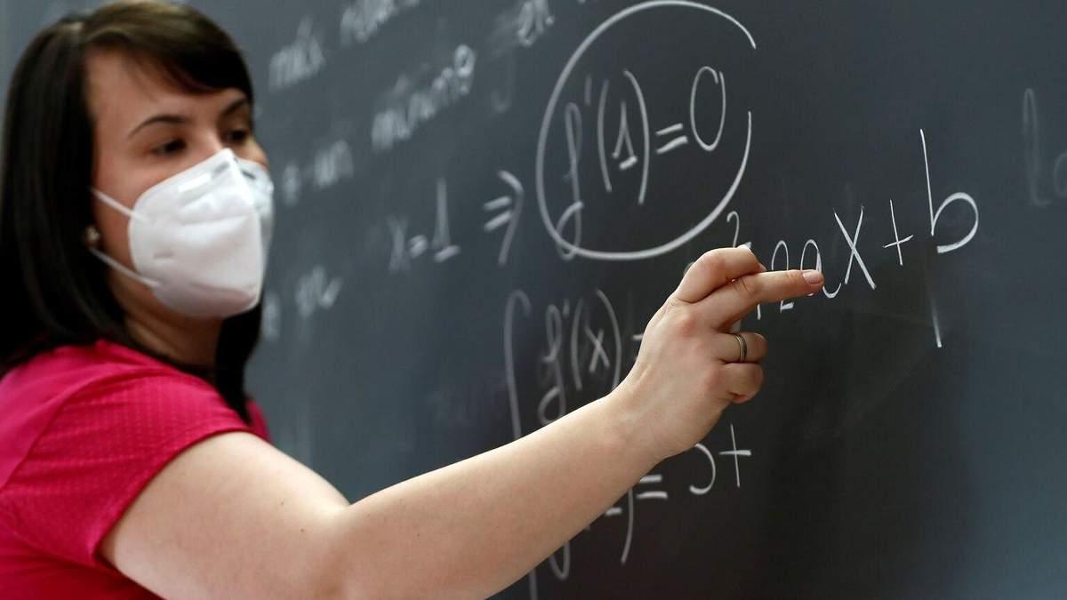 Сколько учителей в Украине болеют на коронавирус: данные
