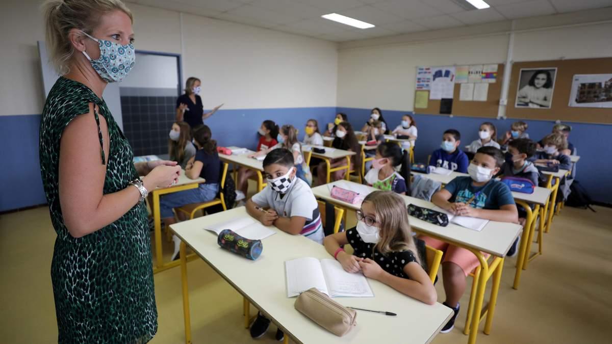Школи у США під час COVID-19: дослідження, як вчителі навчають учнів