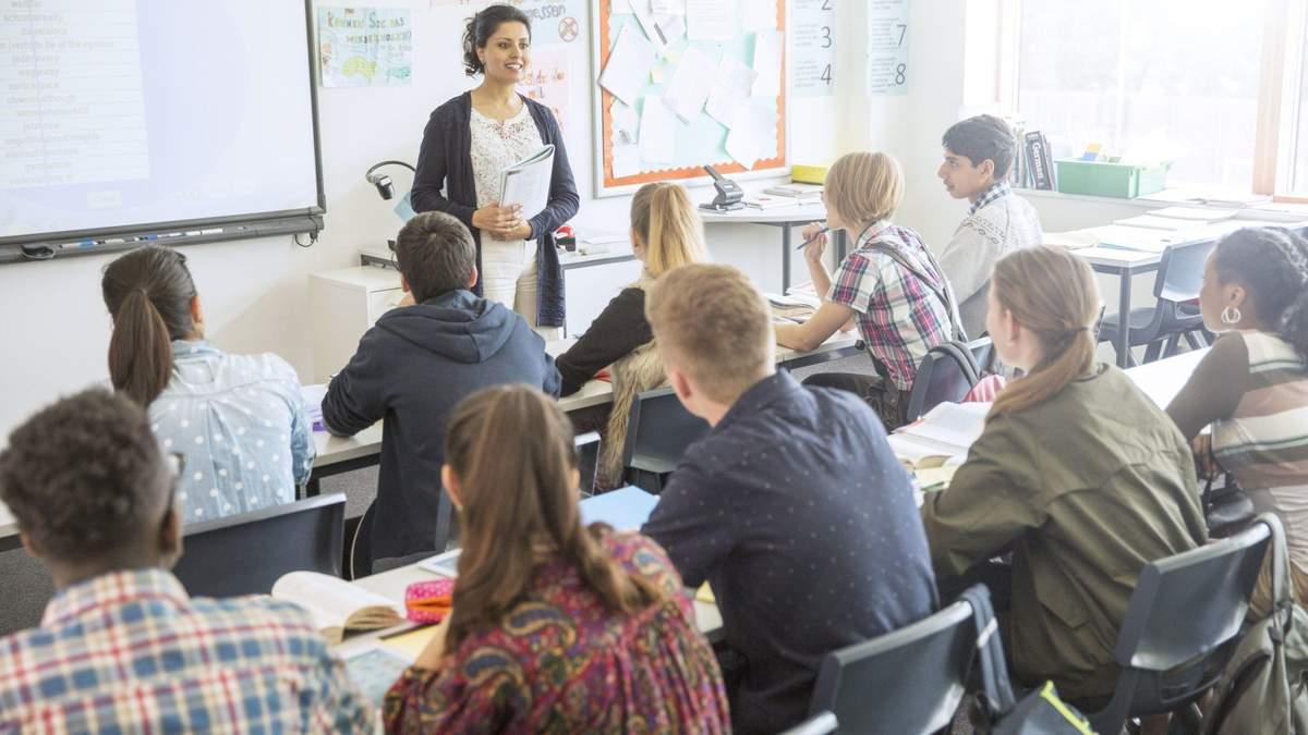 МОН рекомендует школам провести уроки о насилии и проблемах в семье