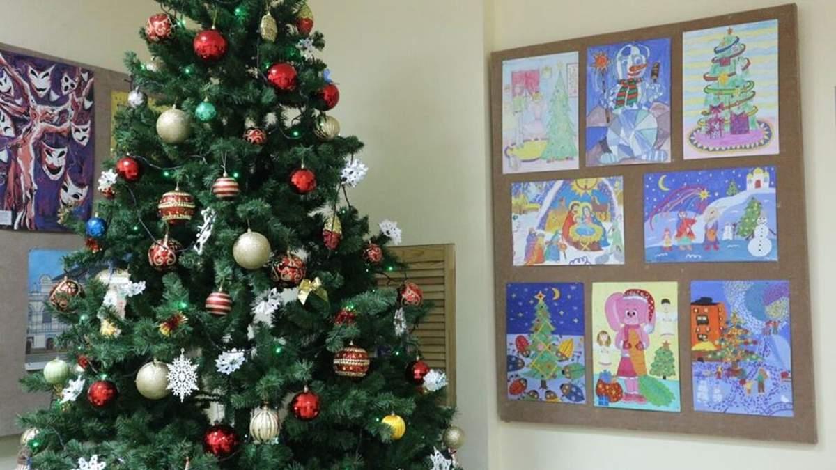 В КГГА призвали детсады и школы отказаться от новогодних праздников