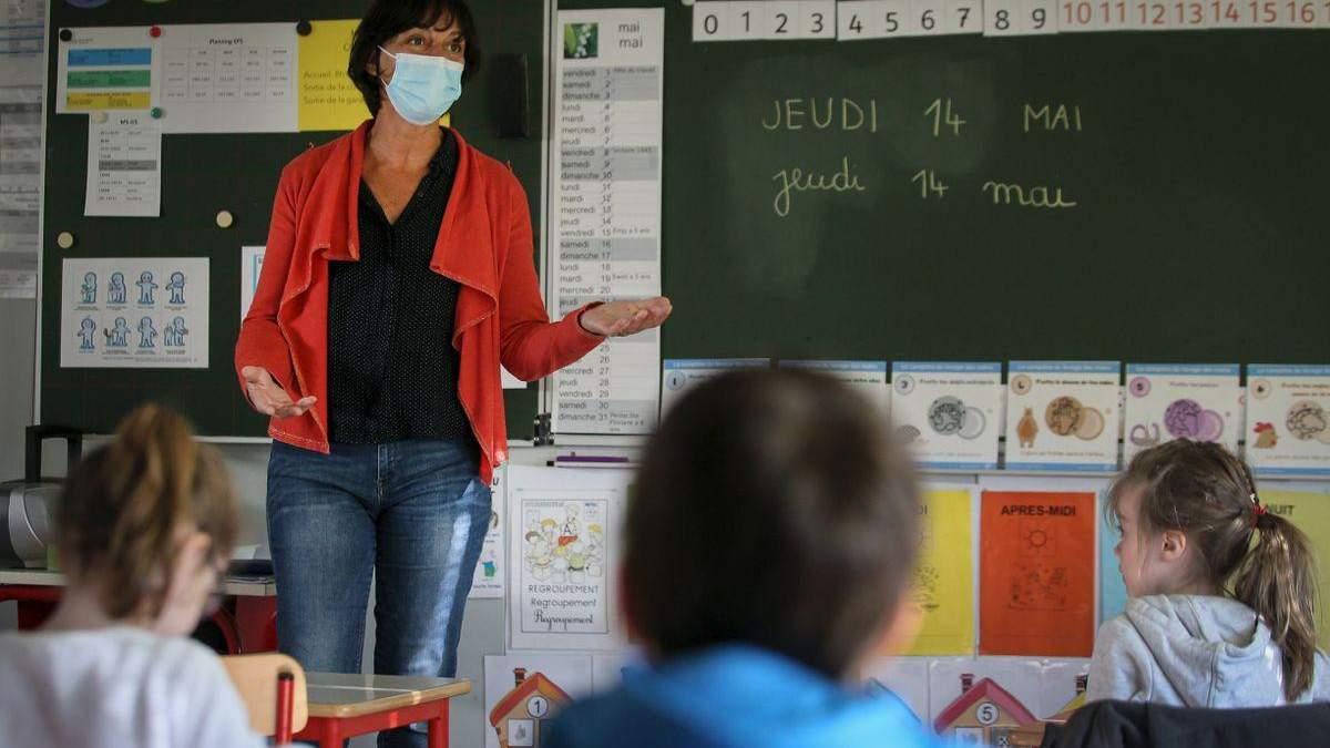 У вчителів не можуть вимагати негативний тест після COVID-19