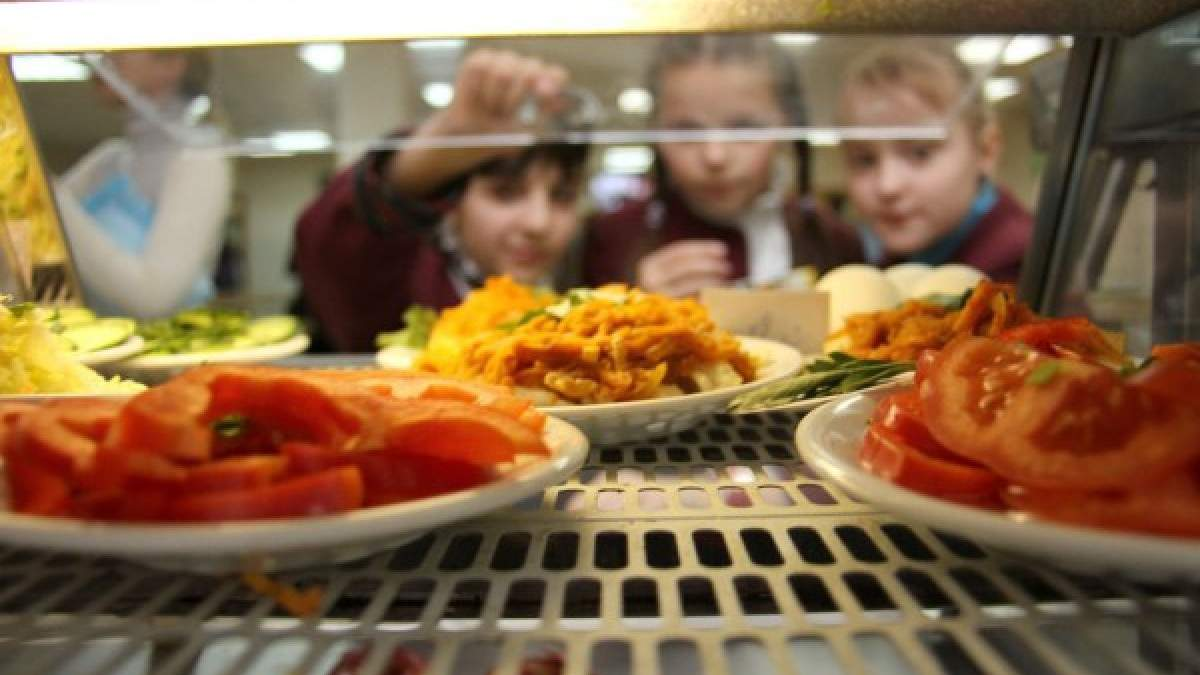 Как будут кормить учеников в Киеве после локдауна: детали от Департамента образования