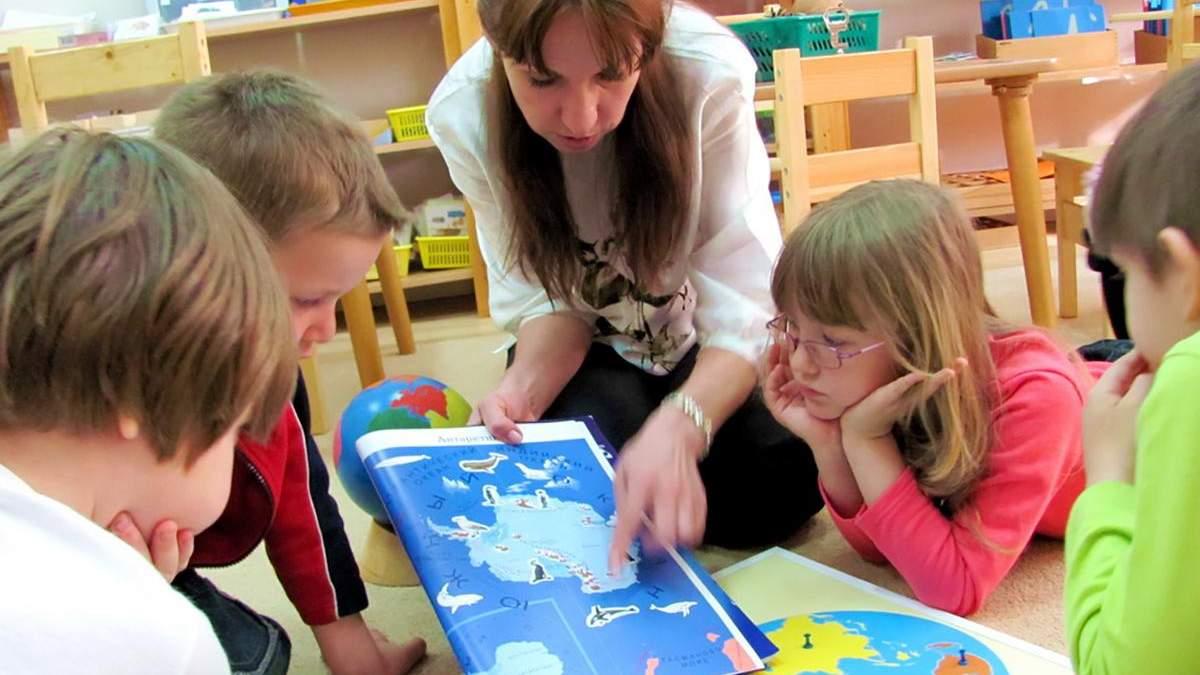 Повысят ли зарплаты воспитателям в садиках: разъяснение Разумкова