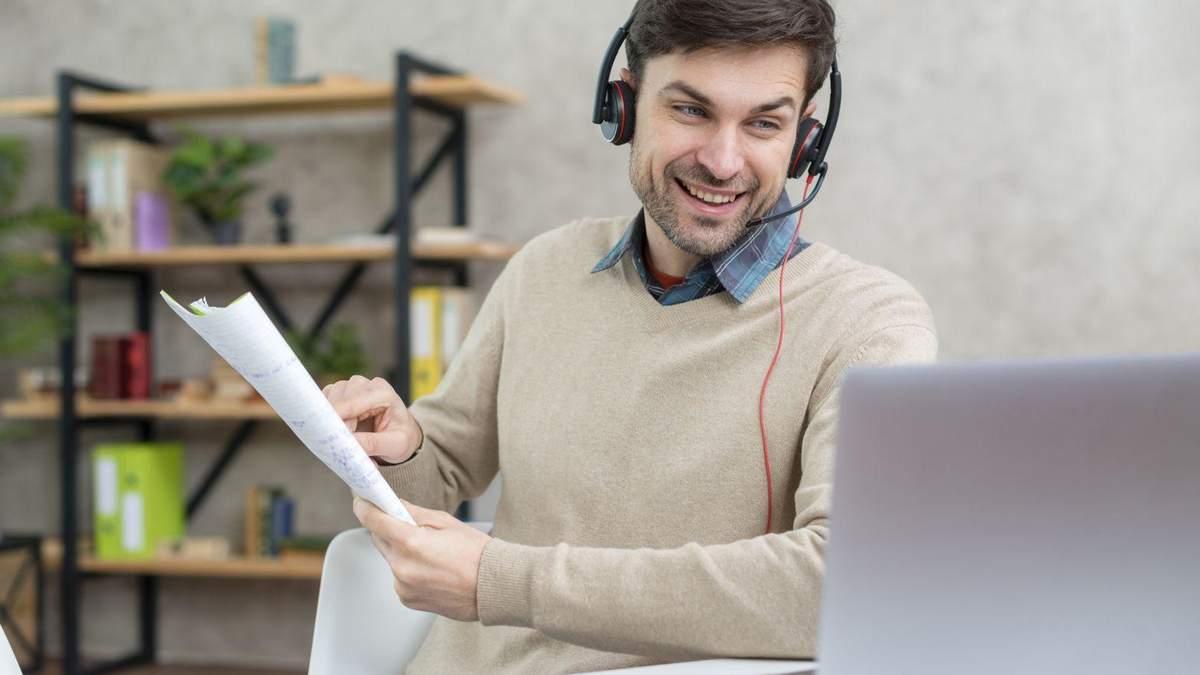 Професія 2020 року – онлайн-викладач: плюси та мінуси такої роботи