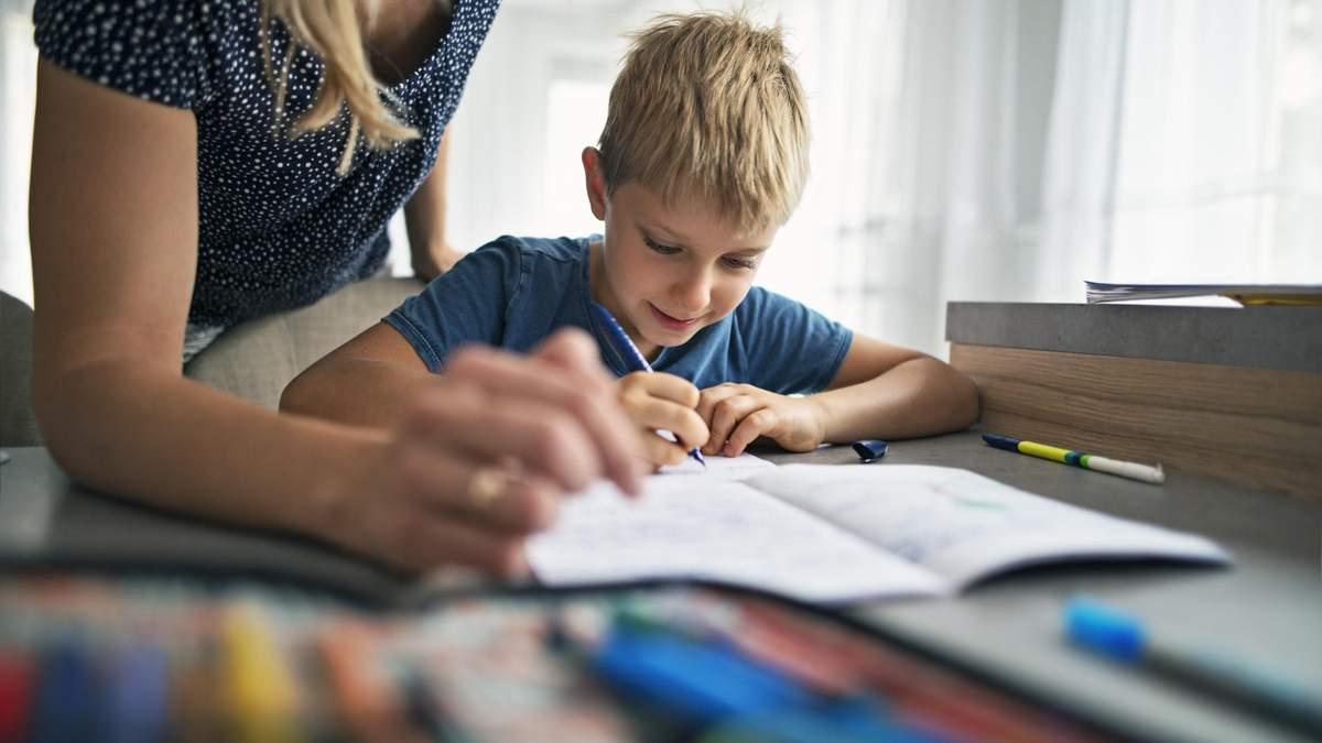 Чем отличатся домашнее задание для учеников в Украине и США: детали
