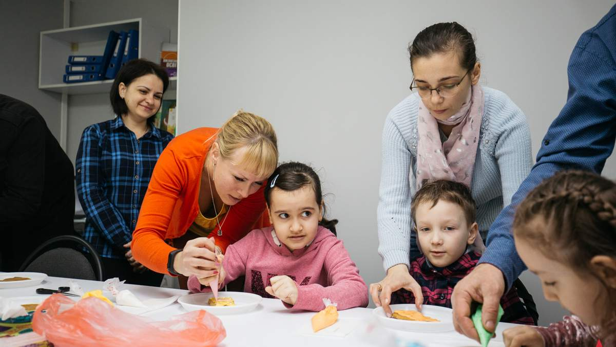 Половина шкіл навчає дітей з ООП: скільки в Україні інклюзивних класів