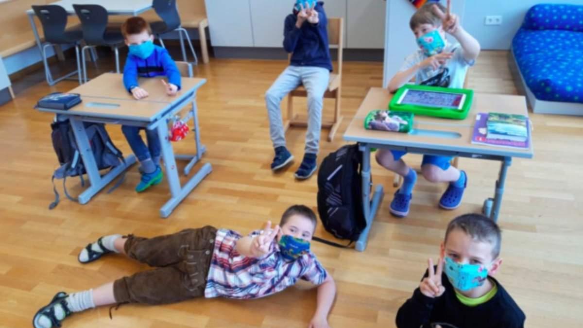 Австрія може не повернутися до очного навчання