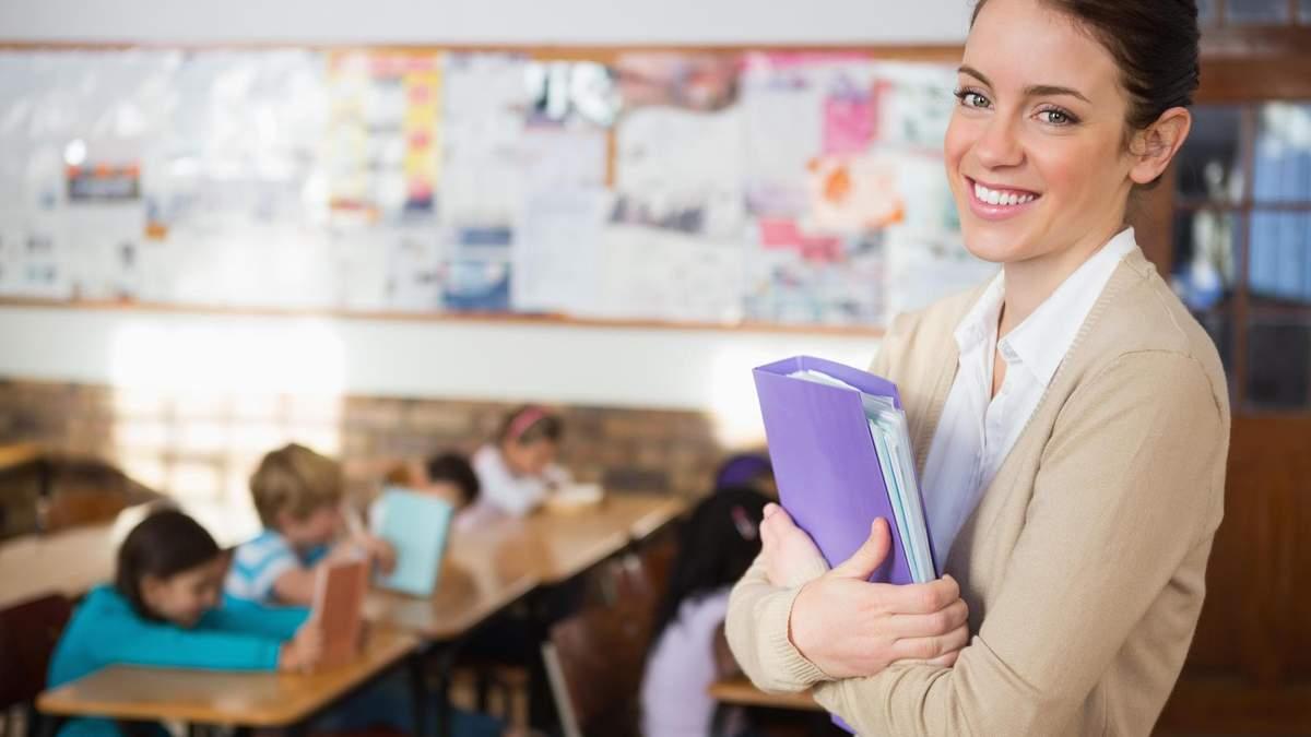 Як будуть впроваджувати професійний стандарт учителя в Україні: важливі деталі