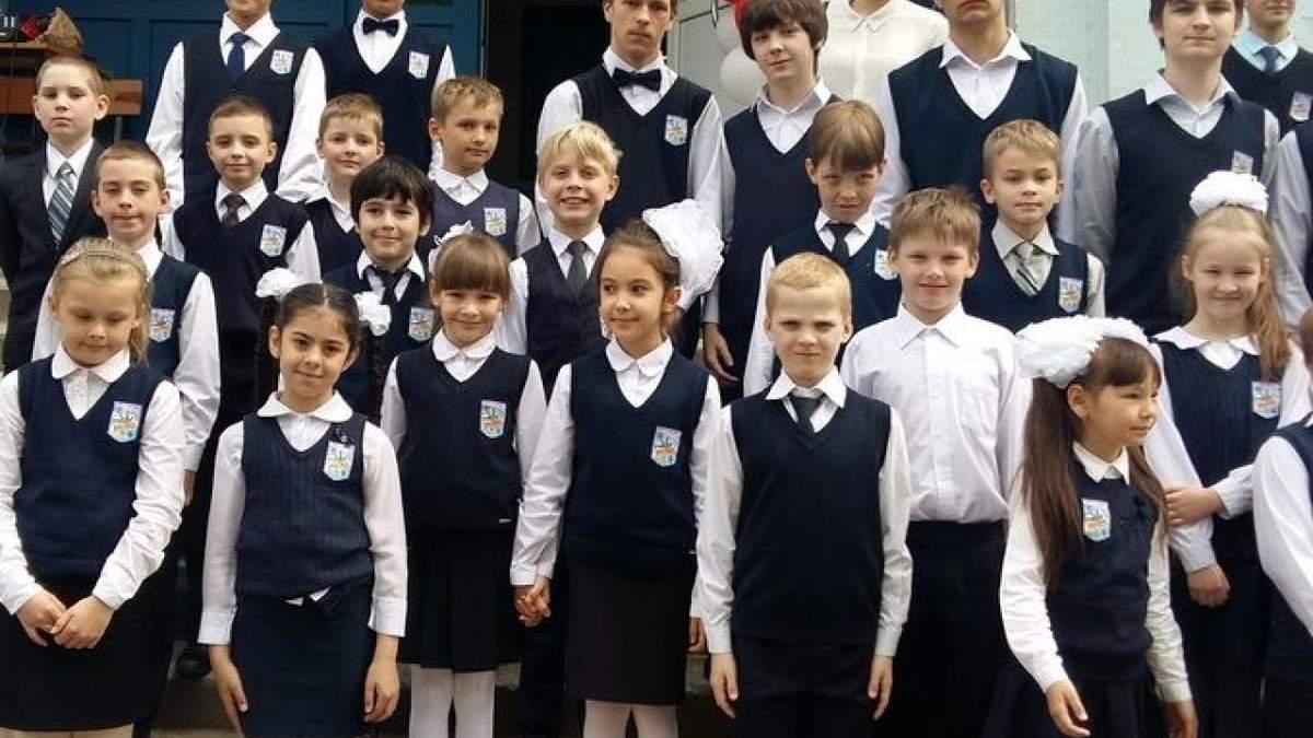 Учеников не имеют права заставлять носить обязательную школьную форму